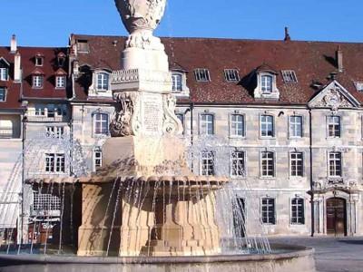 besancon place revolution fontaine historique fountain diluvial