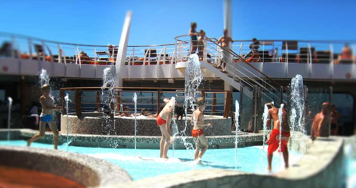 Thalasso, fountains and swiming pools on cruise ships St-Nazaire (44)