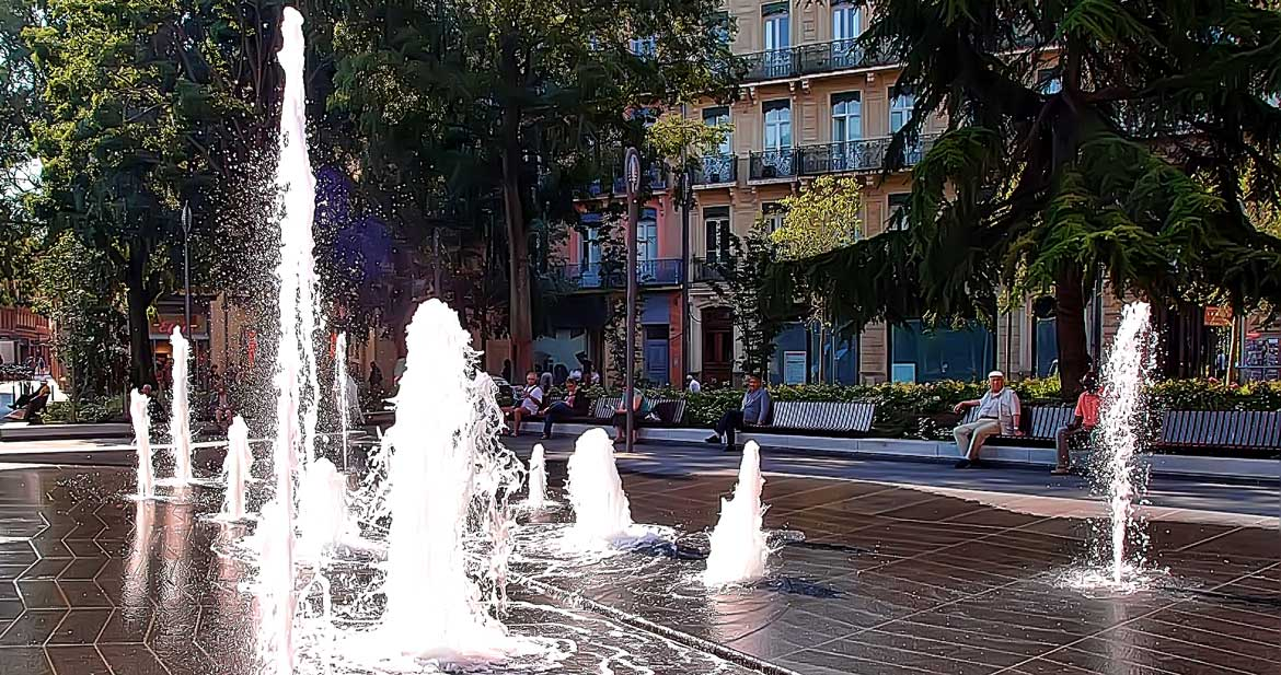 Toulouse Square Charles de Gaulle (31)