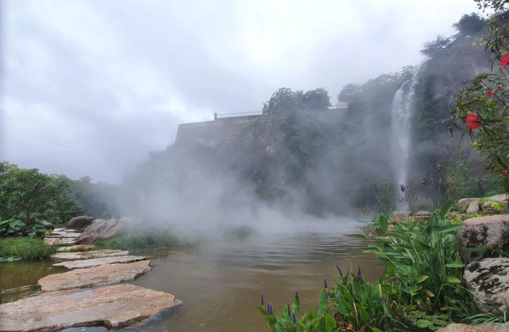Nantes jardin extraordinaire cascade
