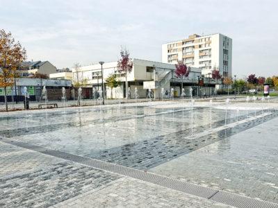 fontaine sèche Place Dumas Sratrouville