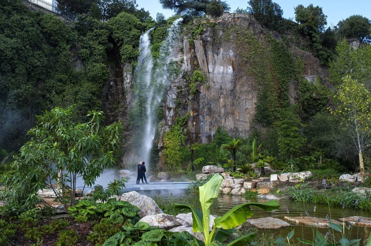 Photo de la cascade du Jardin extraordinaire de la carrière Misery à Nantes CREDIT PHOTO PRESSE OCÉAN OLIVIER LANRIVAIN