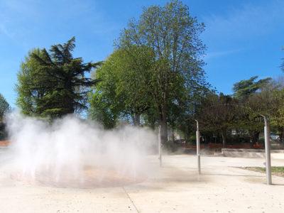 Brumisation au sol et mâts jardin des Arènes Perrigueux